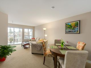 """Photo 6: 405 2940 KING GEORGE Boulevard in Surrey: Elgin Chantrell Condo for sale in """"HIGH STREET"""" (South Surrey White Rock)  : MLS®# R2041949"""