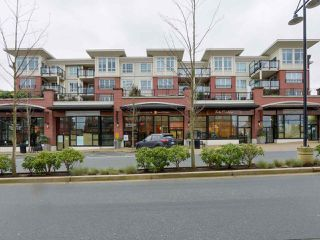 """Photo 1: 405 2940 KING GEORGE Boulevard in Surrey: Elgin Chantrell Condo for sale in """"HIGH STREET"""" (South Surrey White Rock)  : MLS®# R2041949"""
