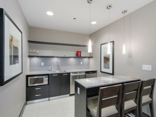 """Photo 19: 405 2940 KING GEORGE Boulevard in Surrey: Elgin Chantrell Condo for sale in """"HIGH STREET"""" (South Surrey White Rock)  : MLS®# R2041949"""