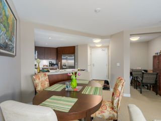 """Photo 8: 405 2940 KING GEORGE Boulevard in Surrey: Elgin Chantrell Condo for sale in """"HIGH STREET"""" (South Surrey White Rock)  : MLS®# R2041949"""