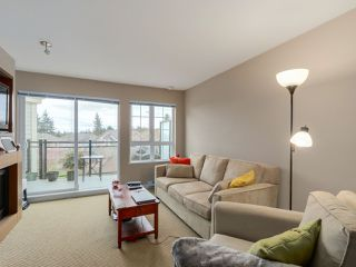 """Photo 3: 405 2940 KING GEORGE Boulevard in Surrey: Elgin Chantrell Condo for sale in """"HIGH STREET"""" (South Surrey White Rock)  : MLS®# R2041949"""