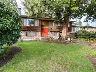 "Photo 1: 927 CORNWALL Place in Port Coquitlam: Lincoln Park PQ House for sale in ""LINCOLN PARK"" : MLS®# R2045430"