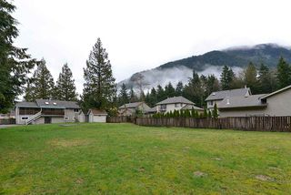 Photo 4: 480 PINE Avenue: Harrison Hot Springs House for sale : MLS®# R2093271