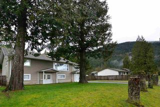 Photo 1: 480 PINE Avenue: Harrison Hot Springs House for sale : MLS®# R2093271