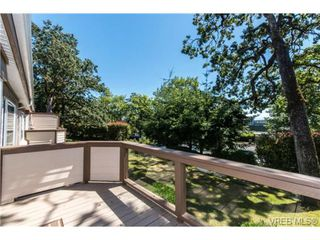 Photo 3: 25 901 Kentwood Lane in VICTORIA: SE Broadmead Row/Townhouse for sale (Saanich East)  : MLS®# 738052