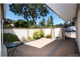 Photo 4: 25 901 Kentwood Lane in VICTORIA: SE Broadmead Row/Townhouse for sale (Saanich East)  : MLS®# 738052