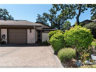 Photo 2: 25 901 Kentwood Lane in VICTORIA: SE Broadmead Row/Townhouse for sale (Saanich East)  : MLS®# 738052