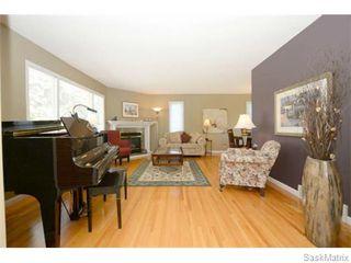 Photo 5: 3805 HILL Avenue in Regina: Single Family Dwelling for sale (Regina Area 05)  : MLS®# 584939