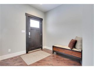Photo 3: 30 Granlea Place SW in Calgary: Bungalow for sale : MLS®# C3594366
