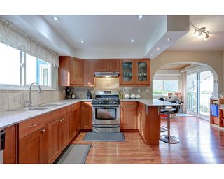 Photo 8: 1897 DAWES HILL Road in Coquitlam: Central Coquitlam House for sale : MLS®# R2121879