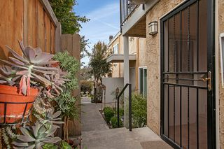 Photo 4: UNIVERSITY HEIGHTS Condo for sale : 2 bedrooms : 4212 Maryland St #1 in San Diego
