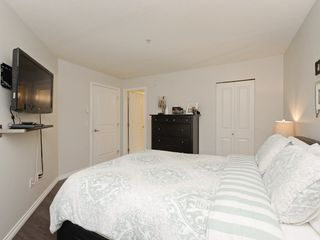 "Photo 14: 210 400 KLAHANIE Drive in Port Moody: Port Moody Centre Condo for sale in ""Klahanie"" : MLS®# R2149153"
