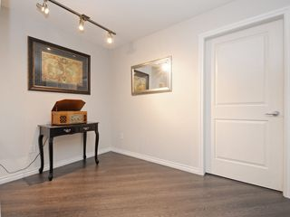 "Photo 12: 210 400 KLAHANIE Drive in Port Moody: Port Moody Centre Condo for sale in ""Klahanie"" : MLS®# R2149153"