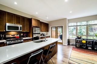 "Photo 2: 3340 MT SEYMOUR Parkway in North Vancouver: Northlands Townhouse for sale in ""NORTHLANDS TERRACE"" : MLS®# R2150041"