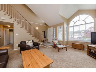 Photo 3: 32283 CLINTON Avenue in Abbotsford: Abbotsford West House for sale : MLS®# R2166278