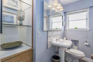 """Photo 11: 1347 E 37TH Avenue in Vancouver: Knight House for sale in """"KNIGHT"""" (Vancouver East)  : MLS®# R2166449"""