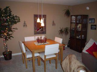 Photo 4: 303 17727 58TH AV in Cloverdale: Home for sale : MLS®# F2627314