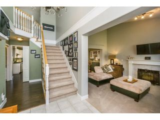 Photo 3: 18233 56B AVENUE in Cloverdale: Home for sale : MLS®# R2064898