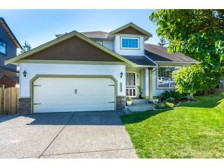Photo 1: 18233 56B AVENUE in Cloverdale: Home for sale : MLS®# R2064898