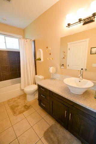 Photo 5: 11020 108 Street in Fort St. John: Fort St. John - City NW House for sale (Fort St. John (Zone 60))  : MLS®# R2178999