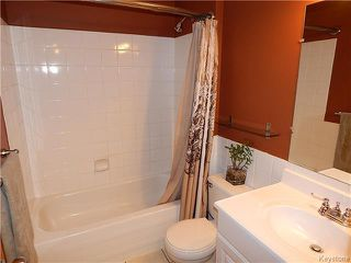 Photo 8: 22 Berrydale Avenue in Winnipeg: St Vital Residential for sale (2D)  : MLS®# 1722889