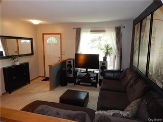 Photo 3: 22 Berrydale Avenue in Winnipeg: St Vital Residential for sale (2D)  : MLS®# 1722889