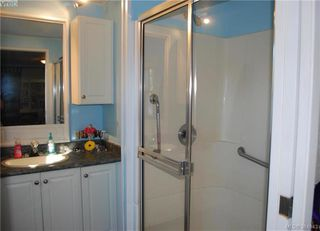 Photo 9: 34 1393 Craigflower Rd in VICTORIA: VR Glentana Manufactured Home for sale (View Royal)  : MLS®# 773543