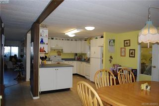 Photo 10: 34 1393 Craigflower Rd in VICTORIA: VR Glentana Manufactured Home for sale (View Royal)  : MLS®# 773543