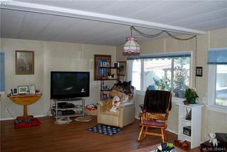Photo 4: 34 1393 Craigflower Road in VICTORIA: VR Glentana Manu Double-Wide for sale (View Royal)  : MLS®# 384843