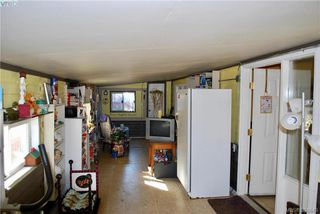 Photo 11: 34 1393 Craigflower Rd in VICTORIA: VR Glentana Manufactured Home for sale (View Royal)  : MLS®# 773543