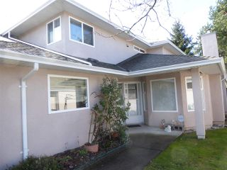 "Photo 1: 152 15501 89A Avenue in Surrey: Fleetwood Tynehead Townhouse for sale in ""AVONDALE"" : MLS®# R2244354"