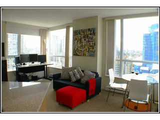 Photo 3: # 1507 1212 HOWE ST in Vancouver: Downtown VW Condo for sale (Vancouver West)  : MLS®# V941105