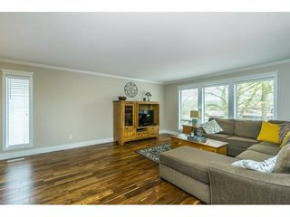 "Photo 3: 3783 BALSAM Crescent in Abbotsford: Central Abbotsford House for sale in ""Gladwin Heights"" : MLS®# R2254426"