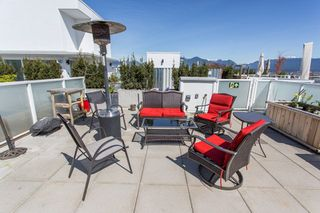 """Photo 1: 607 311 E 6TH Avenue in Vancouver: Mount Pleasant VE Condo for sale in """"The Wohlsein"""" (Vancouver East)  : MLS®# R2259659"""