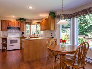 Photo 6: 1017 Kingsley Cres in COMOX: CV Comox (Town of) House for sale (Comox Valley)  : MLS®# 785781