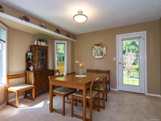 Photo 4: 1017 Kingsley Cres in COMOX: CV Comox (Town of) House for sale (Comox Valley)  : MLS®# 785781
