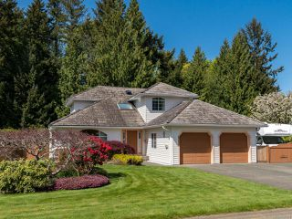 Photo 11: 1017 Kingsley Cres in COMOX: CV Comox (Town of) House for sale (Comox Valley)  : MLS®# 785781