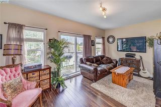 Photo 9: 111 2889 Carlow Rd in VICTORIA: La Langford Proper Row/Townhouse for sale (Langford)  : MLS®# 787688
