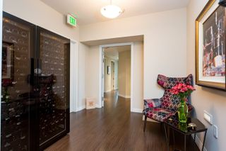 Photo 8: SAN DIEGO Condo for sale : 2 bedrooms : 2500 6th Avenue #401