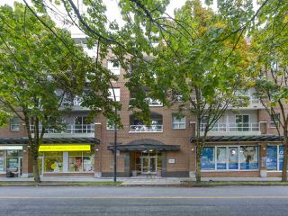 "Main Photo: 408 5790 EAST Boulevard in Vancouver: Kerrisdale Condo for sale in ""THE LAUREATES"" (Vancouver West)  : MLS®# R2308648"