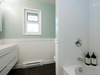 Photo 12: 1321 Pembroke St in VICTORIA: Vi Fernwood Half Duplex for sale (Victoria)  : MLS®# 800491