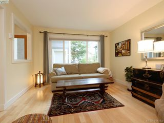 Photo 3: 1321 Pembroke St in VICTORIA: Vi Fernwood Half Duplex for sale (Victoria)  : MLS®# 800491