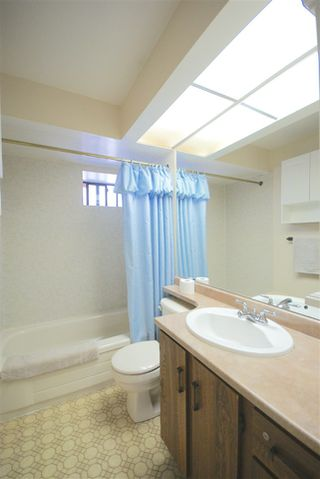 Photo 12: 10735 TRURO Drive in Richmond: Steveston North House for sale : MLS®# R2329742