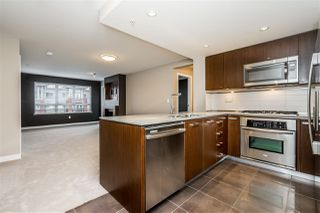 """Photo 4: 312 2940 KING GEORGE Boulevard in Surrey: King George Corridor Condo for sale in """"High Street"""" (South Surrey White Rock)  : MLS®# R2332720"""