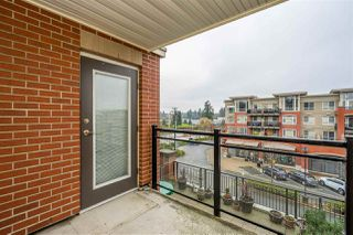 """Photo 14: 312 2940 KING GEORGE Boulevard in Surrey: King George Corridor Condo for sale in """"High Street"""" (South Surrey White Rock)  : MLS®# R2332720"""
