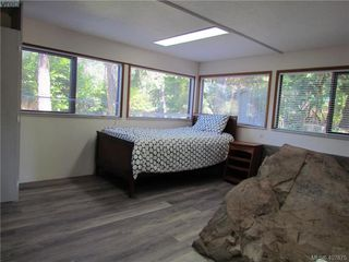Photo 9: 2749 Shoal Road in PENDER ISLAND: GI Pender Island Single Family Detached for sale (Gulf Islands)  : MLS®# 407875