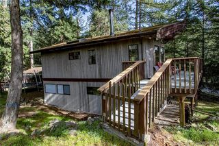 Photo 2: 2749 Shoal Rd in PENDER ISLAND: GI Pender Island Single Family Detached for sale (Gulf Islands)  : MLS®# 810549