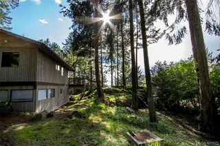 Photo 1: 2749 Shoal Rd in PENDER ISLAND: GI Pender Island Single Family Detached for sale (Gulf Islands)  : MLS®# 810549