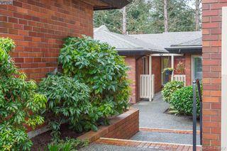 Main Photo: 113 2345 Cedar Hill Cross Rd in VICTORIA: OB Henderson Row/Townhouse for sale (Oak Bay)  : MLS®# 812467