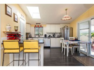 """Photo 8: 15 45918 KNIGHT Road in Sardis: Sardis East Vedder Rd Manufactured Home for sale in """"COUNTRY PARK VILLAGE"""" : MLS®# R2368737"""